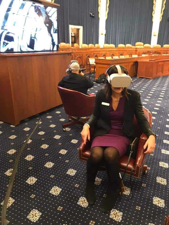 Congresswoman tries out VR