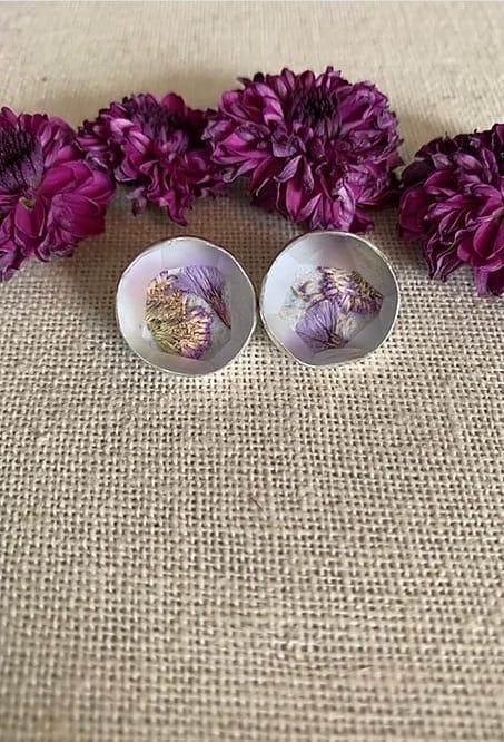 colleen schwarz cyathocline purpurea—sea lavender studs